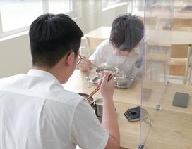 Bữa ăn bán trú đầu tiên thời Covid-19 của học sinh Hà Nội