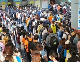 Sinh viên nhiều trường ở TPHCM tấp nập quay trở lại giảng đường
