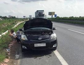Hà Nội vào mùa nắng nóng, xử lý như thế nào khi xe ôtô báo quá nhiệt