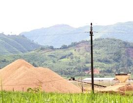 Nghệ An: Bãi tập kết cát sỏi không phép tràn lan, chính quyền bất lực?