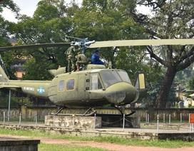 Cận cảnh tháo dỡ 4 máy bay thời chiến tại Di tích Quốc Tử Giám