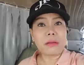 """Việt Hương bức xúc khi nhận """"trăm tin nhắn chửi"""", phản đối cô làm giám khảo"""