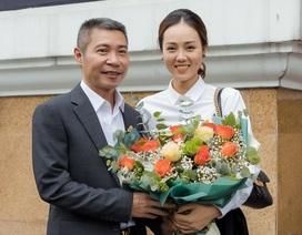 Bạn gái chúc mừng NSND Công Lý lên chức Phó Giám đốc Nhà hát Kịch Hà Nội