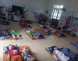 Chấn chỉnh trường mầm non cho trẻ mang khẩu trang khi ngủ