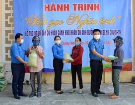 """Quảng Ngãi: """"Áo xanh"""" góp 10 tấn gạo giúp người nghèo sau dịch Covid-19"""
