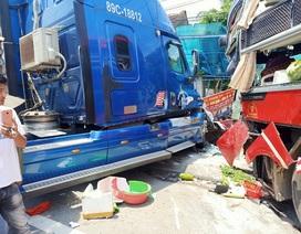 Xe khách và xe container đấu đầu, một cựu giáo viên tử vong