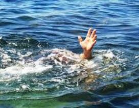 2 cháu bé Hà Nội chết đuối khi du lịch tắm biển Quảng Ninh