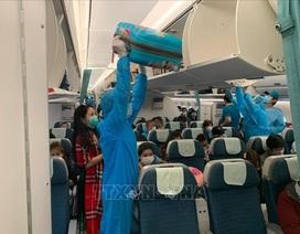 Đưa 270 công dân Việt Nam từ Malaysia về nước an toàn