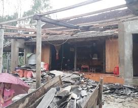 Cận cảnh cả trăm ngôi nhà tan hoang sau trận lốc xoáy