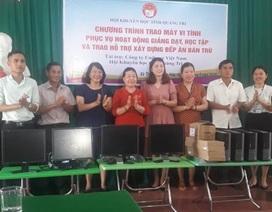 Quảng Trị: Hội Khuyến học tặng máy tính, hỗ trợ tiền ăn cho trẻ miền núi