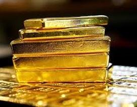 """Thị trường vàng hỗn loạn, HSBC bị """"thổi bay"""" 200 triệu USD trong 1 ngày!"""