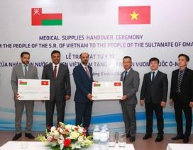 Oman tiếp nhận món quà 100.000 khẩu trang y tế từ Việt Nam