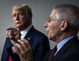 """Cuộc đối đầu nảy lửa giữa ông Trump và """"bác sĩ quốc dân"""""""