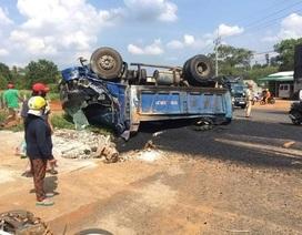 Bà tử vong, mẹ và con nguy kịch vì bị xe tải lùi trúng