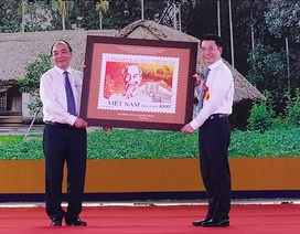 Phát hành đặc biệt bộ tem về Chủ tịch Hồ Chí Minh