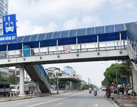 Hà Nội chuẩn bị đầu tư xây dựng 6 cầu vượt đi bộ qua đường