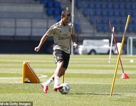 Hazard hào hứng trở lại tập luyện sau khi hồi phục chấn thương