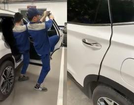 Hải Phòng: Khách hàng bức xúc vì Hyundai SantaFe có tiếng kêu lạ ở cánh cửa