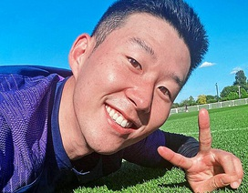 Son Heung Min rạng rỡ tập luyện trở lại sau khi hoàn thành nghĩa vụ quân sự