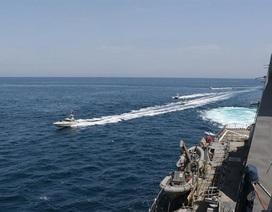 Washington cảnh báo tàu nước ngoài tránh xa tàu chiến Mỹ ở vịnh Ba Tư