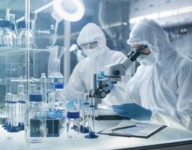 """Nhà khoa học Nga tự làm """"chuột bạch"""" thử vắc-xin Covid-19"""