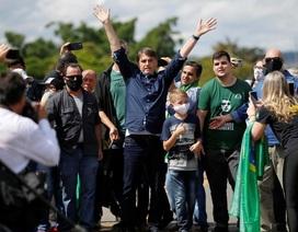 Brazil vượt 360.000 ca Covid-19, Tổng thống xuống đường ăn uống, biểu tình