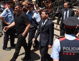 Messi từng muốn rời Tây Ban Nha vì bị ngược đãi
