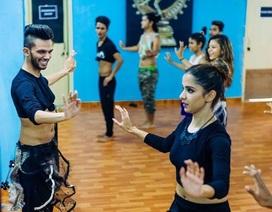 Vượt qua định kiến để trở thành nam vũ công múa bụng đầu tiên Ấn Độ