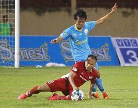 Trọng Hoàng chấn thương nặng, HLV Park Hang Seo thêm âu lo