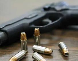 Chồng nổ súng tự sát, viên đạn bay thẳng vào... cổ vợ