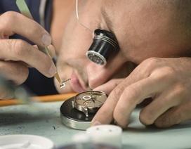 Đây là cách nghệ nhân tạo ra chiếc đồng hồ đeo tay trị giá hàng triệu USD