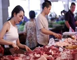 """Giá thịt lợn bị """"thổi"""" lên gần 300.000 đồng/kg, người dân """"sợ"""", tiểu thương """"khóc ròng"""""""