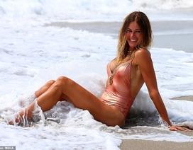 Ngưỡng mộ dáng vóc gợi cảm của người mẫu 52 tuổi Kelly Bensimon