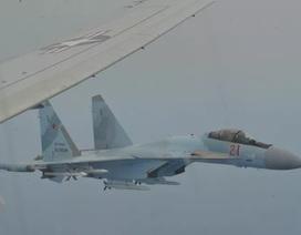 """Mỹ tung video """"tố"""" Su-35 Nga chặn """"sát thủ diệt ngầm"""" P-8A"""