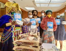 Đại sứ quán Việt Nam sẻ chia với người dân Nam Phi chống Covid-19