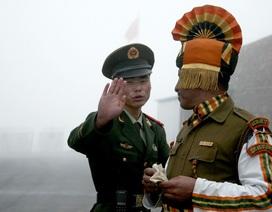 Trung Quốc đưa thiết giáp tới khu vực tranh chấp, Ấn Độ tức tốc tăng viện