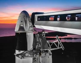 Mỹ hoãn phóng tàu đưa người lên vũ trụ vào phút chót vì thời tiết xấu