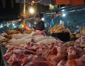 Giảm lượng nhập 1 nửa, thịt lợn vẫn ế phải xả cho nhà hàng