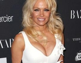 Sau 5 lần kết hôn, Pamela Anderson vẫn mơ làm cô dâu