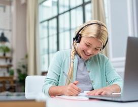 Anh: Sinh viên đại học vẫn phải nộp học phí đầy đủ dù học trực tuyến