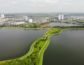 Nhìn từ trên cao hồ điều hoà rộng lớn phía đông thành phố Hà Nội
