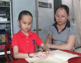 Niềm mong mỏi của cậu bé khiếm thị 9 tuổi tự học chơi đàn Organ