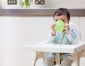 Ống hút inox chọc rách vòm họng bệnh nhi 3 tuổi
