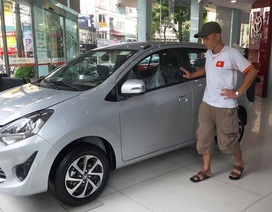 Đại lý ô tô vắng hoe vì khách chờ giảm phí trước bạ