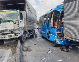 Xe khách mất phanh gây tai nạn liên hoàn, 8 người bị thương