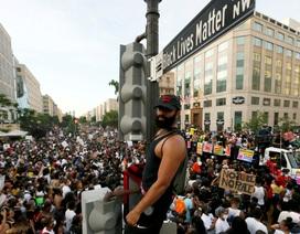 Hơn 110.000 ca tử vong vì Covid-19, Mỹ hối thúc người biểu tình xét nghiệm