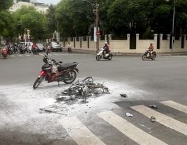 """""""Nín thở"""" xem cảnh sát hình sự truy đuổi 2 tên cướp ở trung tâm Sài Gòn"""