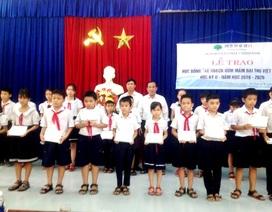 Quảng Nam trao hàng trăm suất học bổng đến học sinh và sinh viên nghèo