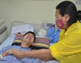 Hoàn cảnh đáng thương của chàng trai một tay dành cơ hội cứu mẹ