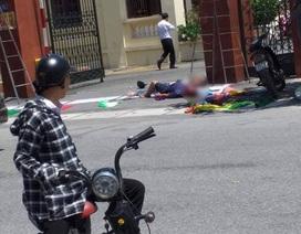 2 người tử nạn khi đang treo pano ở cổng huyện ủy